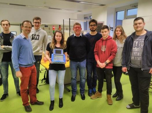 Chauvin Arnoux sponsort das Elektrotechnik-Labor