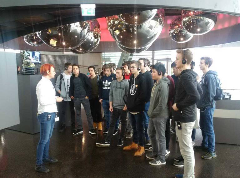 Informatik-Abteilung: 2. Jahrgänge besuchten die Stahlerlebniswelt in Linz