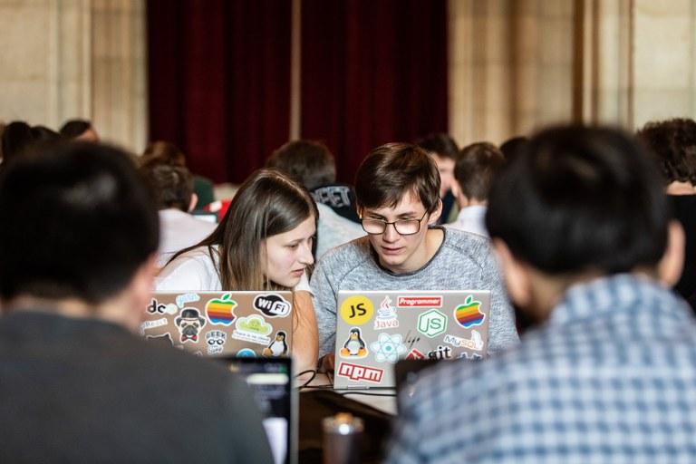 Jasmin Heinschink und Alexander Zach bei ihrer CCC-Teilnahme in Wien/April 2019 (Fotocredits: CCC Wien). Anm.: Da die Siegerehrung erst in einigen Monaten stattfinden kann, gibt es noch keine offiziellen Fotos vom CCC April 2020.