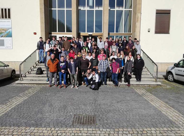 Informatiker/innen besuchten das Wasserkraftwerk Ybbs-Persenbeug