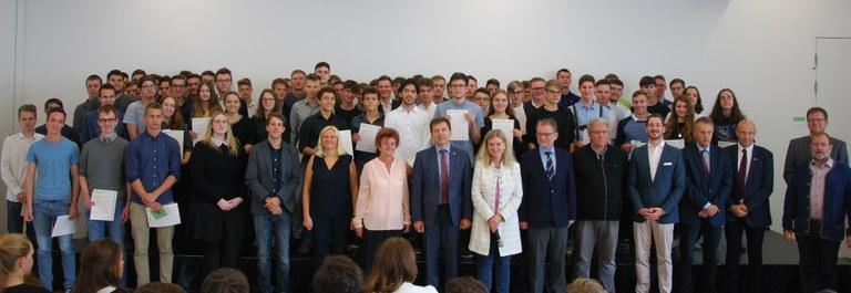 Team der HTL St. Pölten mit den erfolgreichen Kandidaten