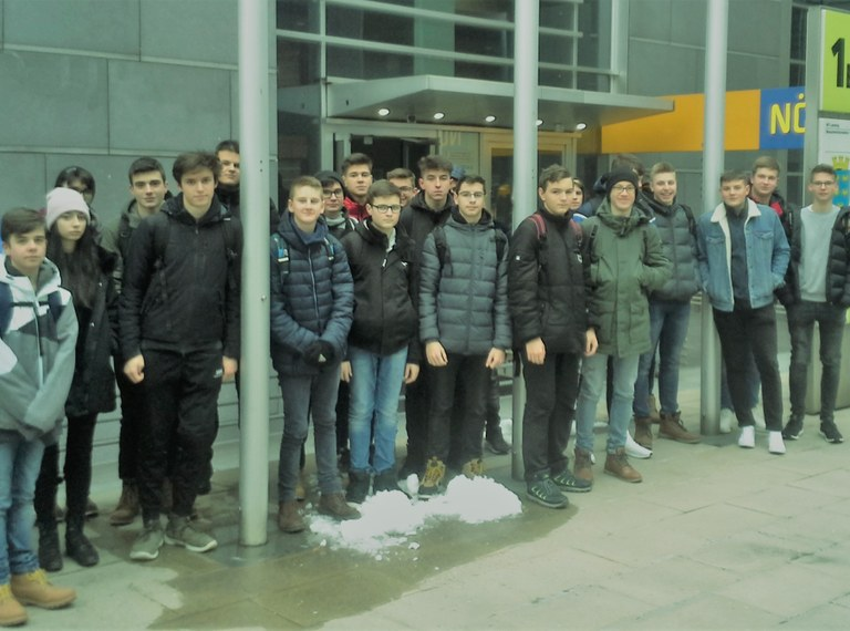 Wirtschaftsingenieure besuchen Landtag