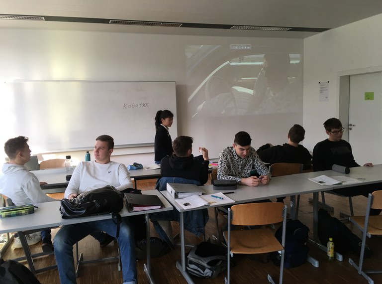 Wirtschaftsingenieure: Einblicke in das WI-Klassenzimmer (Folge 4): Native Speaker Michelle aus GB