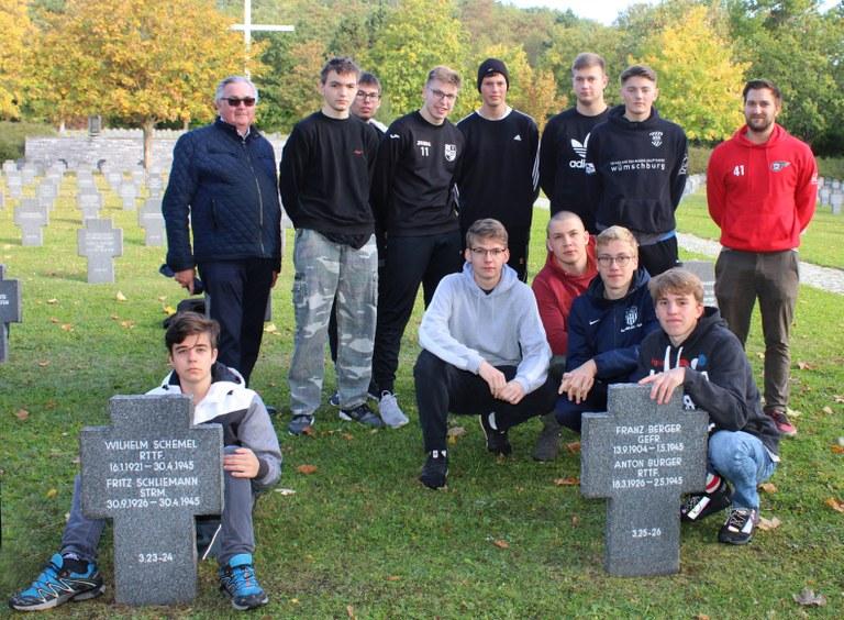 wo42hzg_Soldatenfriedhof 1.JPG